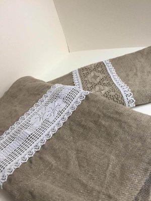 Linen tablecloses
